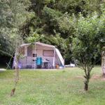 Bretagne Cote d'Armor kleinschalige camping caravan bosrijk atelier KerAnna
