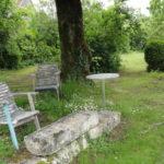 Centre-Val de Loire Indre zitje onder boom dormir en route