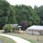 Lot Occitaine camping domaine de Velle ingerichte tent huren