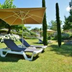 Gard Occitaine ligbedden en parasol