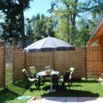 Allier Auvergne Rhone-Alpes bed and breakfast tuin met zitje