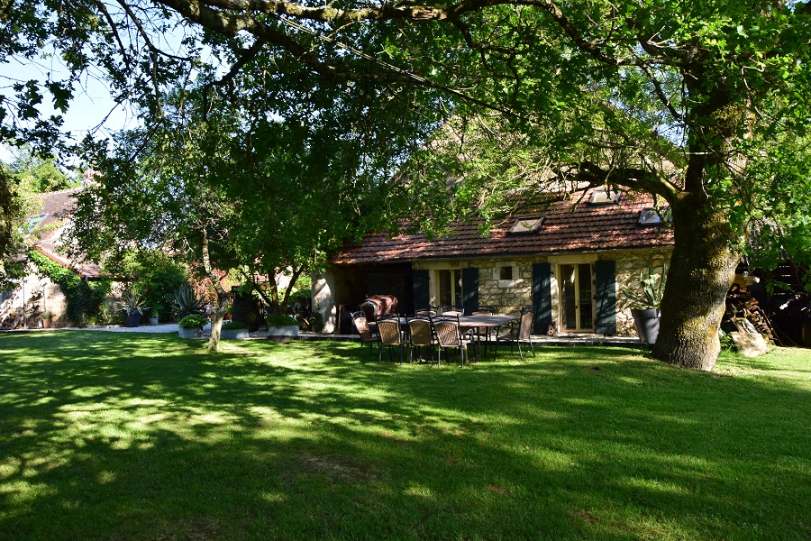 Maison Voilà chambres d'hotes zoeken tuinkamer terras01